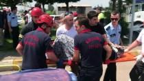 ALİŞAN - Kocaeli'de Otomobil Kamyonetle Çarpıştı Açıklaması 5 Yaralı