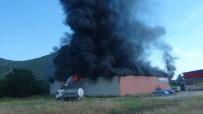 Kozan'da Geri Dönüşüm Deposunda Yangın