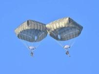 ÖZEL KUVVETLER KOMUTANLIĞI - Özel Kuvvetlerden 'Statik Paraşüt Atlayışı'