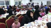 YETİM ÇOCUK - Suriyeli Yetimler İftarda Buluştu