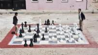 HOBİ BAHÇESİ - Tatil köyü gibi 'Devlet okulu'