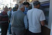 YıLBAŞı - Emekliler Bayram İkramiyelerini Almaya Başladı