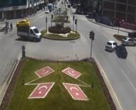 IŞIK İHLALİ - Erzincan'da Trafik Kazaları Kameralara Yansıdı