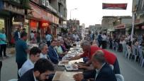 İFTAR MENÜSÜ - Kadirli'de 15 Bin Kişi Sokak İftarında Orucunu Açtı