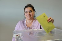 KAPIKULE SINIR KAPISI - Kapıkule'de Oy Verme İşlemi Başladı
