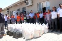 CUMA ÖZDEMIR - Kilis Belediyesi Çalışanlarına Gıda Kolisi Dağıtıldı