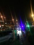 SEÇİM KANUNU - Ümraniye'de Bayrak Asma Kavgası Açıklaması 4 Yaralı