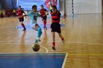 Adana'da Okullararası Küçük Kızlar Ve Erkekler Futsal Müsabakaları Tamamlandı