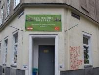 OTURMA İZNİ - Avusturya'dan skandal karar: Türk camilerini kapatıyor!