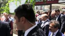 AHMET AKİF - Bakan Albayrak, Esnaf Ziyaretinde Bulundu, Çocuklara Karne Hediyesi Verdi