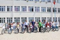 KALKıM - Başkan Taşkın Öğrencilere Bisiklet Dağıttı