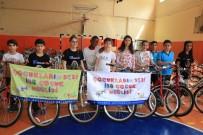 ÇOCUK MECLİSİ - Başkan Uysal'dan Çocuk Meclisi Üyelerine Bisiklet Hediyesi