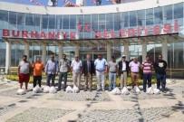 ZABITA MÜDÜRÜ - Burhaniye'de Ramazan Davulcularına Bayram Hediyesi