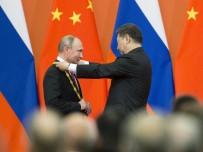 ŞANGHAY - Çin'den Putin'e Dostluk Madalyası