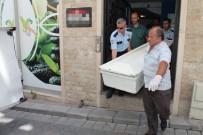 PAMUKKALE ÜNIVERSITESI - Genç kız apart dairede ölü bulundu!