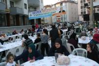 Devrek Belediyesi'nin Sokak İftarında Yüzlerce Kişi Bir Araya Geldi.