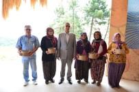 OKUL BİNASI - Erdemir'in 'Tarlalar Sürülsün, Gelenek Sürsün' Kurumsal Sosyal Sorumluluk Projesinde İlk Hasat
