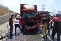 OKMEYDANı - Hasdal - Kemerburgaz Yolu Üzerinde Zincirleme Trafik Kazası Açıklaması 3 Yaralı