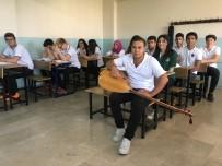 KALP HASTASI - Hem Okula Gidiyor Hem De Pamuk Şeker Satıp Ailesine Bakıyor