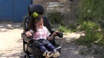 Minik Yezda Karnesini Akülü Arabasıyla Aldı