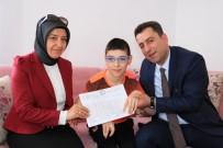 EVDE EĞİTİM - Serebral Palsi Hastası Üçüzlerin Evde Karne Sevinci
