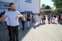 AYIŞIĞI - Tokat'ta Karne Sevinci Davul, Zurna Ve Halaylarla Kutlandı