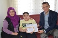 EVDE EĞİTİM - Ürkmezer, DMD Hastası Muhammet'e Karnesini Verdi