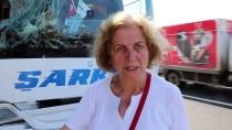 YAKIT TANKERİ - Yakıt Tankeriyle Yolcu Otobüsü Çarpıştı Açıklaması 10 Yaralı