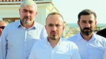 AK Parti'li Turan Deprem Bölgesini Ziyaret Etti