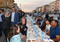 Başkan Tuna Etimesgutlu Vatandaşlarla İftar Yaptı