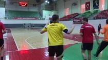 İŞİTME ENGELLİ - Basketboldan Hentbola Uzanan Sessiz Yol