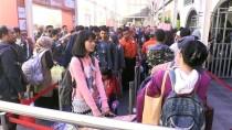 OTOBÜS BİLETLERİ - Endonezya'da Bayram Yoğunluğu Başladı