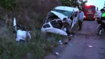 Hafif Ticari Araç İle Kamyonet Çarpıştı Açıklaması 6 Yaralı