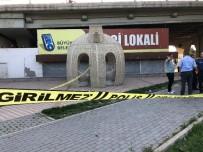 HACI BAYRAM - Kavgayı Ayıran 2 Kişi Silahla Yaralandı