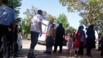 ADLİYE BİNASI - Konya'da Adliye Önünde Kavga Açıklaması 4 Yaralı