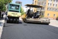 ELEKTRİK HATTI - Nurihas Mahallesinde Asfaltlama Çalışması Başladı