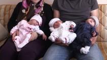 Her Kontrolde Bebek Sayısı Arttı, Üçüzleri Oldu