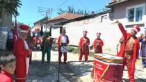 POLİS ARACI - Şehit Oğluna Unutulmaz Sünnet Düğünü