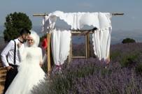ERHAN ÇELİK - Türkiye'nin Doğal Fotoğraf Stüdyosu Lavanta Tarlalarında Düğün Turizmi