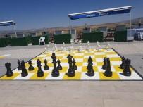 Altınyayla'da Açık Hava Satranç Parkı