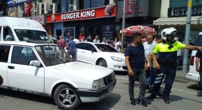 'Dur' İhtarına Uymayan Otomobilin Sürücüsüne Polisten Müdahale