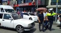 SÜRÜCÜ BELGESİ - 'Dur' İhtarına Uymayan Otomobilin Sürücüsüne Polisten Müdahale