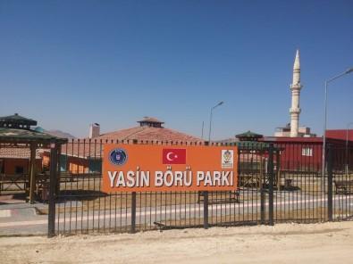 Gercüş'te Yasin Börü Parkı'nın Tabelası Yenilendi