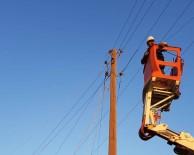 ELEKTRİK ENERJİSİ - Hortumun Zarar Verdiği Elektrik Şebekesi Yenilendi