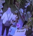 HIRSIZLIK ŞEBEKESİ - Kozmetik Mağazasında Yaşanan Çanta Hırsızlığı Kamerada