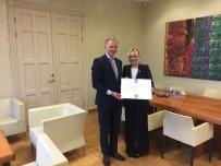 LETONYA - Letonya Fahri Konsolosu Ulukapı'ya Devlet Nişanı Verildi