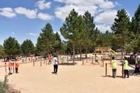 BİLİM MERKEZİ - Öğrenciler Yaz Kampında Hem Eğleniyor Hem Öğreniyor