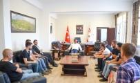 TEKERLEKLİ SANDALYE - 'Robotik Futbol Takımı', KKTC Başbakanını Ziyaret Etti