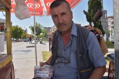 Sattığı Simit Paralarının Kârını Mehmetçiğe Bağışlayacak