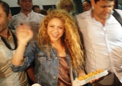 Shakira'ya baklavalı karşılama